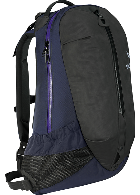 Arro-22-Backpack-Black-Sapphire.png