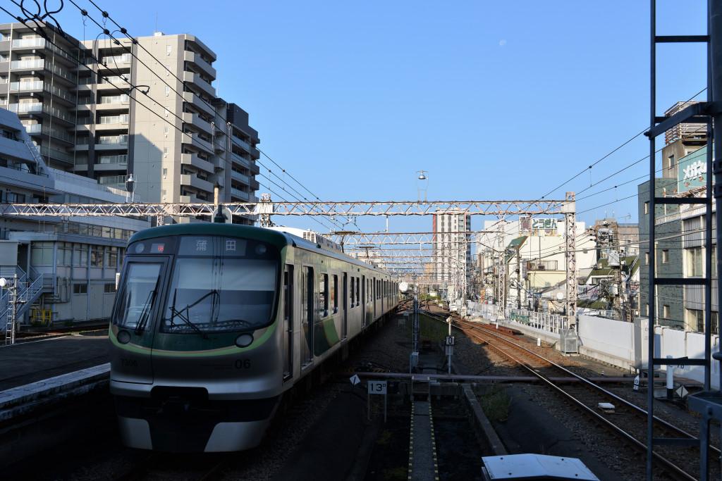 東急蒲田駅から見る池上線