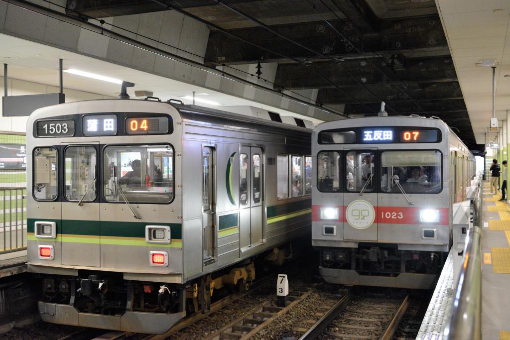 長原駅で行き交う1000系
