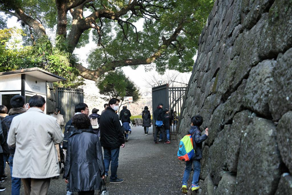 東御苑への出入口間近