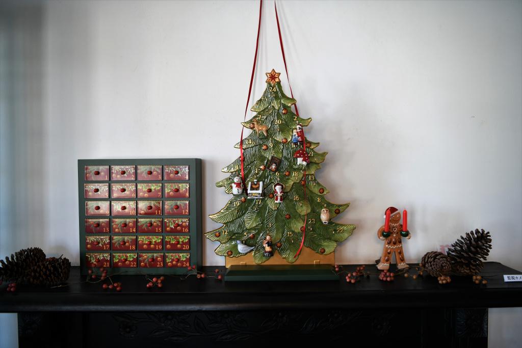 暖炉のクリスマスデコレーション