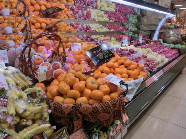 青果フルーツ品揃え