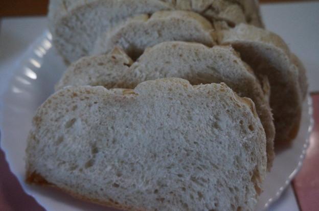 田舎パンの断面