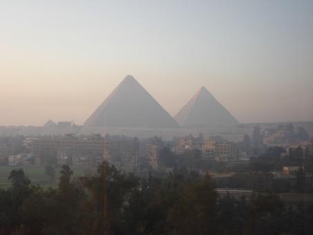 エジプトで最大とされるクフ王のピラミッドの構造を最新の技術で解き明かす