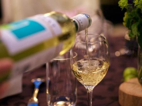 シャンパンの瓶,お酒,飲み会