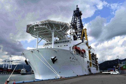【南海トラフ地震】地球深部探査船「ちきゅう」5200mまで掘り下げの画像2-1