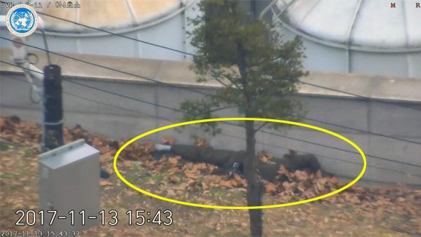 【国連軍が映像を公開】北朝鮮軍が亡命兵に銃撃!3-3