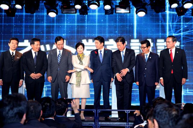 枝野代表、ニコ生で党首握手を一時拒否「これから戦う相手にそれはできない」