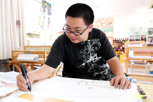 伊藤彬さん自閉症の男性が描くタウンページ表紙9-5