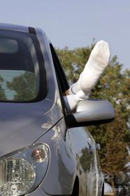 【男を逮捕】臭い靴下でバス車内が混乱、容疑者「私の靴下は臭くない」