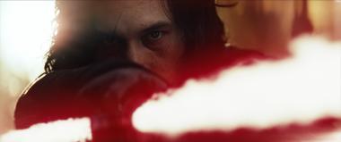 『スター・ウォーズ/最後のジェダイ』 カイロ・レンを演じるアダム・ドライヴァー。ちょっとは大物風になってきた?