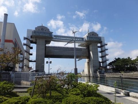 沼津港大型展望水門「びゅうお」