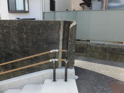 大磯港の陸閘・2号門扉、階段上の旧陸閘