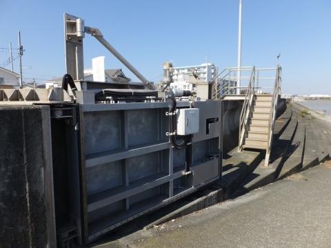 千石河岸防潮ゲート設備(陸閘)