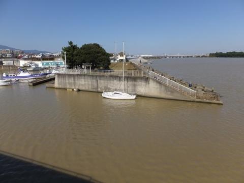 須賀港出入口