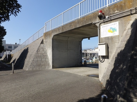 須賀港周囲堤防開口部
