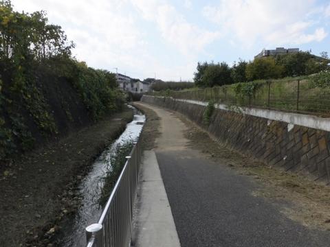 旧鶴見川・新鎧橋上流