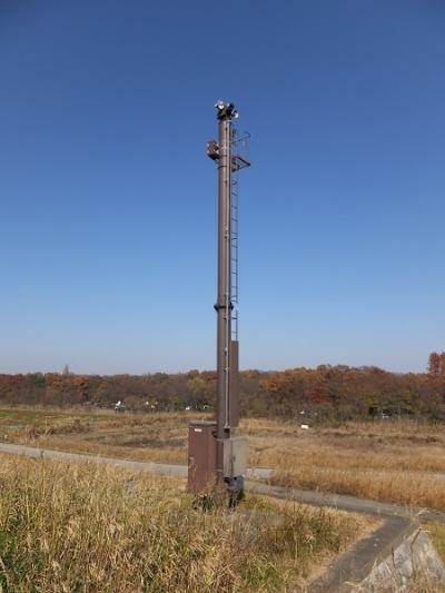 荒川第一調節池越流堤付近の警報装置