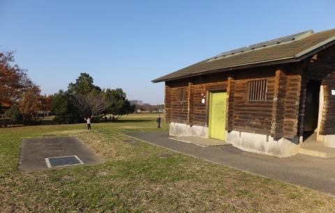 彩湖・道満グリーンパークの公衆トイレ