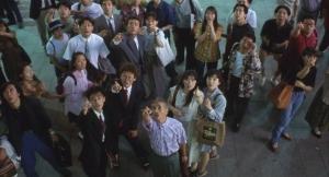 ガメラ:大怪獣空中決戦 エキストラ新宿 誰も携帯持ってない