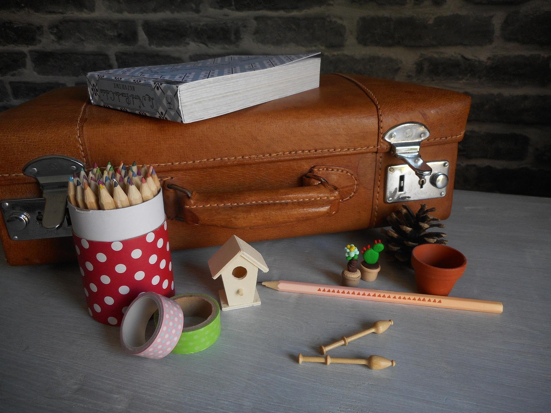 pencil-pot-2097599_1920.jpg