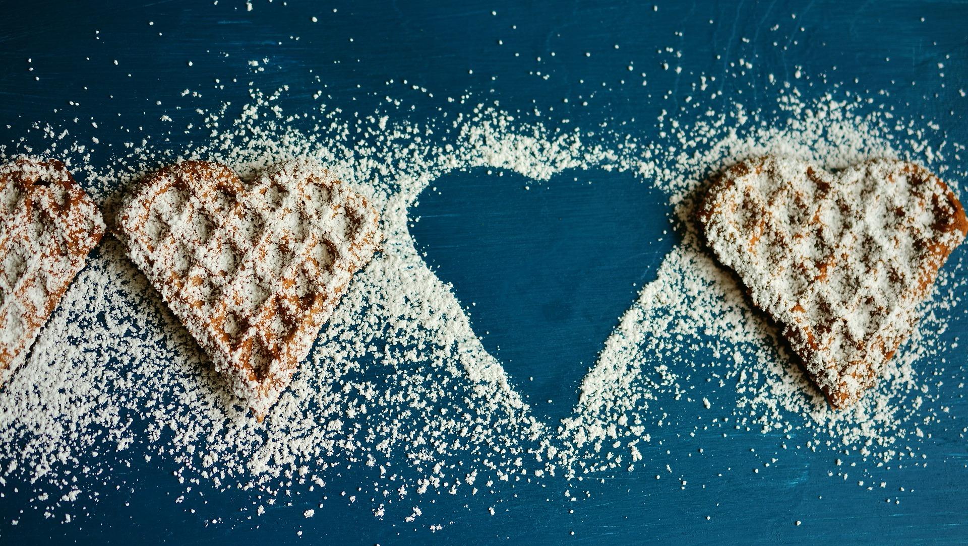 waffle-heart-2697904_1920.jpg