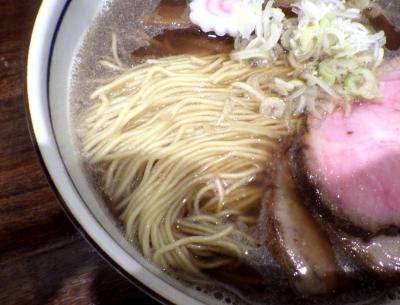 中華そば 堀川 醤油そば 大盛(麺のアップ)