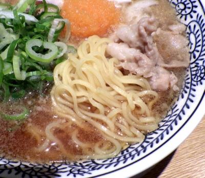 丸源 羽曳野店 肉そば(2017年)(麺のアップ)