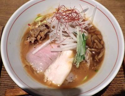 麺と心 7 秋刀魚醤油そば ~四種の肉盛り~