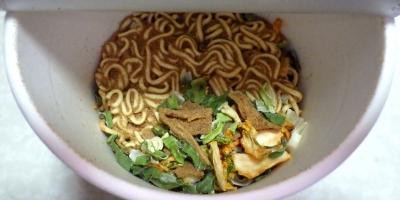 10/16発売 サッポロ一番 みそラーメン BESTレシピ 豚キムチ(内容物)