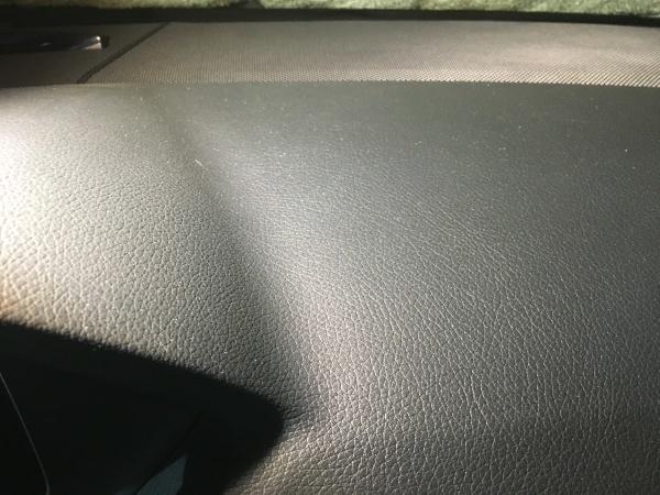 ダッシュボード 台座取付け痕補修 ベンツE300