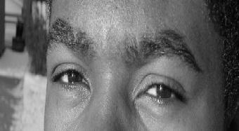 tipo-africano犬塚三枝子の眼