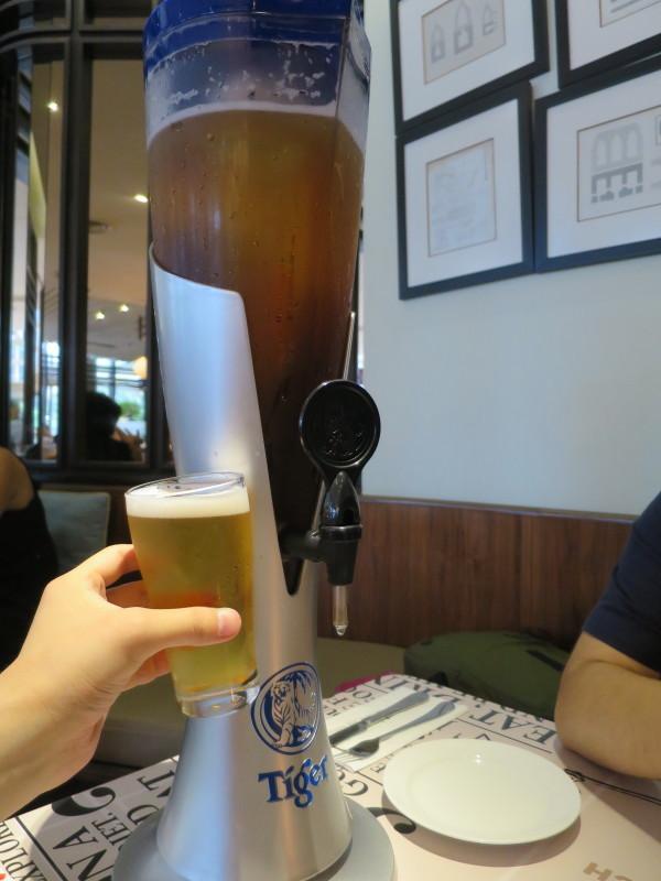 マレーシア ツインタワー タワービール