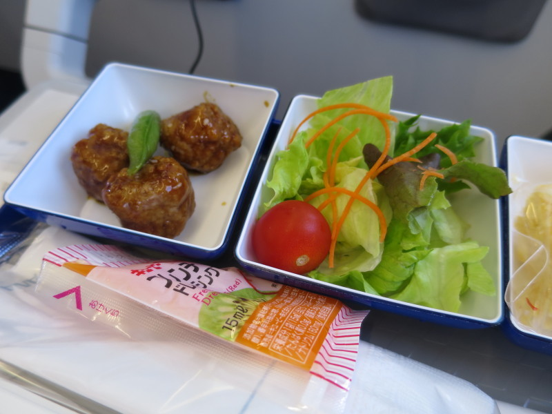 NH977 青島 関西 機内食 ANA