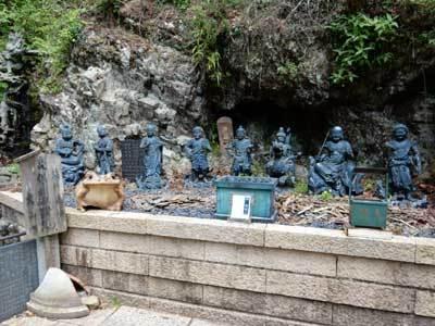 雨降山大山寺のカエル