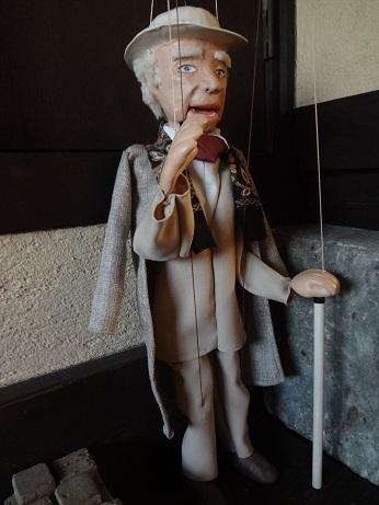 フランク・ロイド・ライト人形