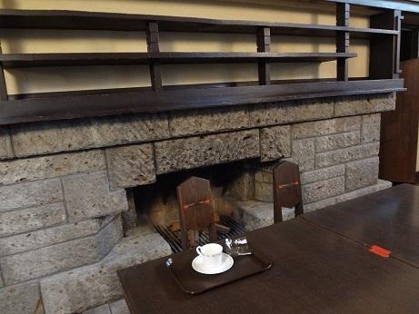 明日館食堂暖炉