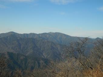 中川温泉方面への道が見える171009