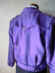 紫ジャケット後ろ171221