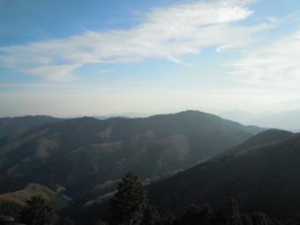 景信山から高尾山方面171224