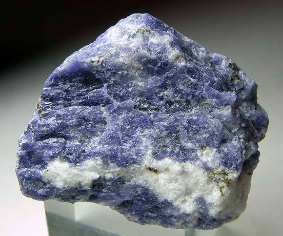 No.982 Meionite