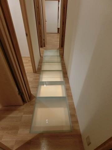目白台シェアハウス2階廊下床