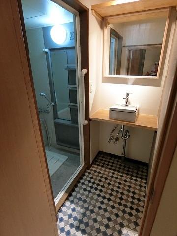 目白台シェアハウス浴室洗面台