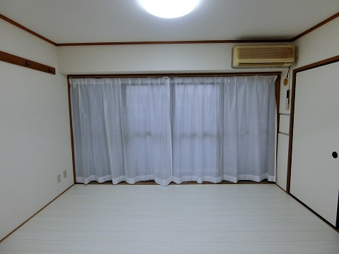 401レースのカーテン