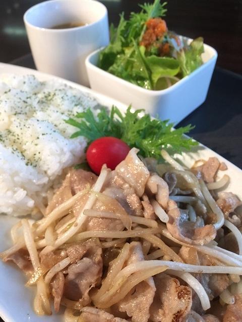 カフェ アンド ダイニング スリー ビー 豚☆焼肉ランチ