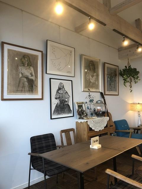 カフェ ファーストペンギン 店内1