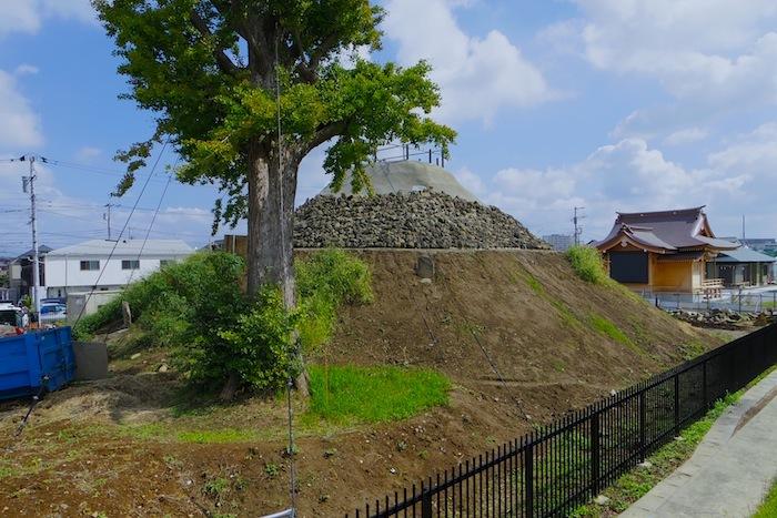 「飯塚の富士塚」―葛飾区指定史跡―
