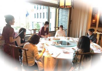 中国料理テーブルマナー1712092