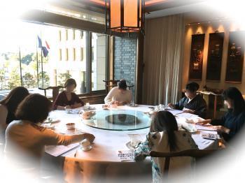 中国料理テーブルマナー1712095