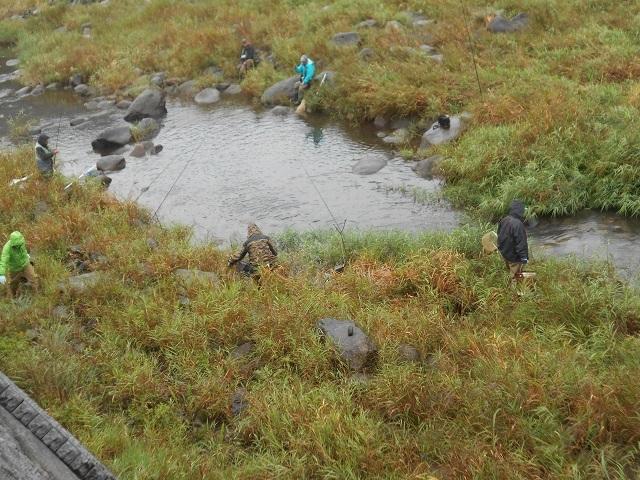 DSCN31531007家康地区ニジマス釣りの様子.jpg